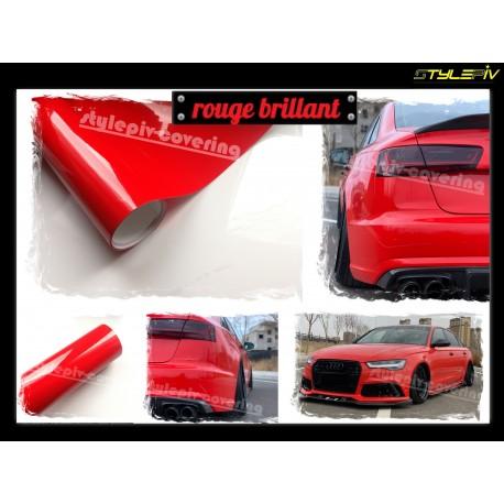 film covering rouge Ferrari brillant